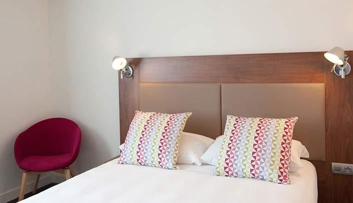 Chambre standard double adaptée PMR de l'hôtel Campanile Limoges Centre-Gare