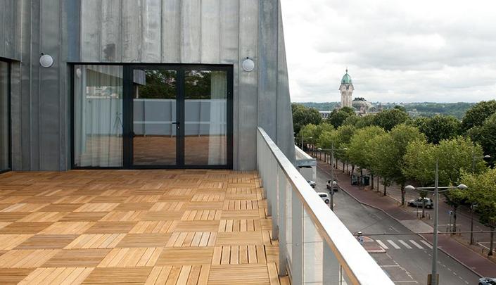 Terrasse des espaces séminaires de l'hôtel Campanile Limoges Centre-Gare