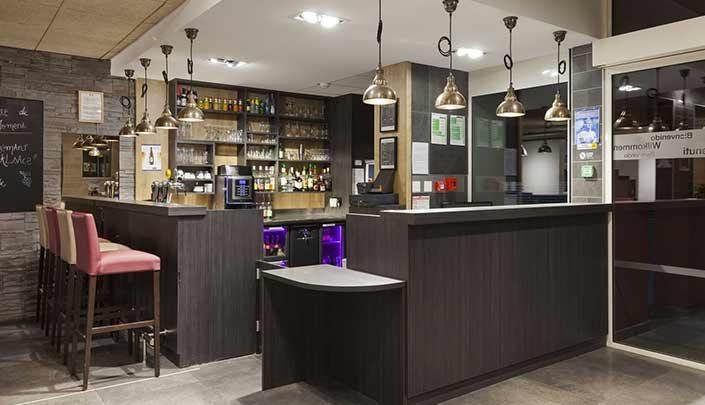 Réception et Bar de l'hôtel Campanile Metz Nord - Talange