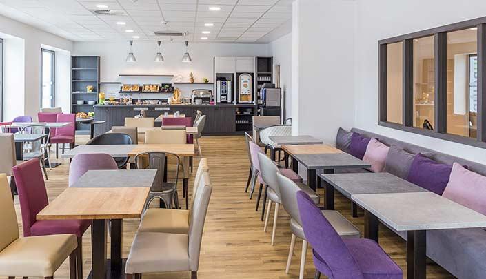 Salle de petit-déjeuner de l'hôtel Campanile Metz Centre-Gare