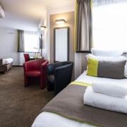 Chambre triple de l'hôtel Campanile Reims Centre-Cathédrale