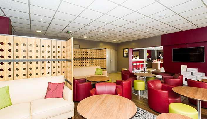 Bar-Lounge de l'hôtel Campanile Reims Centre-Cathédrale