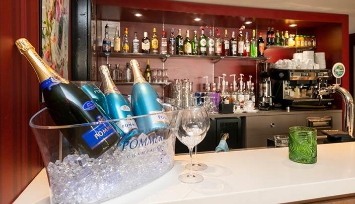 Bar de l'hôtel Campanile Reims Centre-Cathédrale