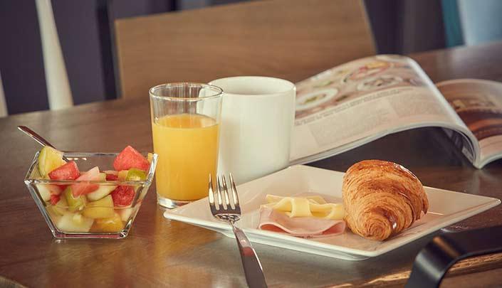 Petit-déjeuner de l'hôtel Kyriad Pontarlier