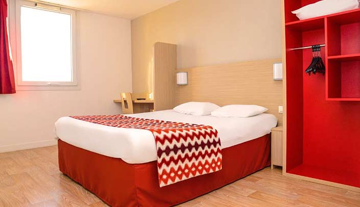 Chambre double de l'hôtel Kyriad Rouen Sud - Val de Reuil